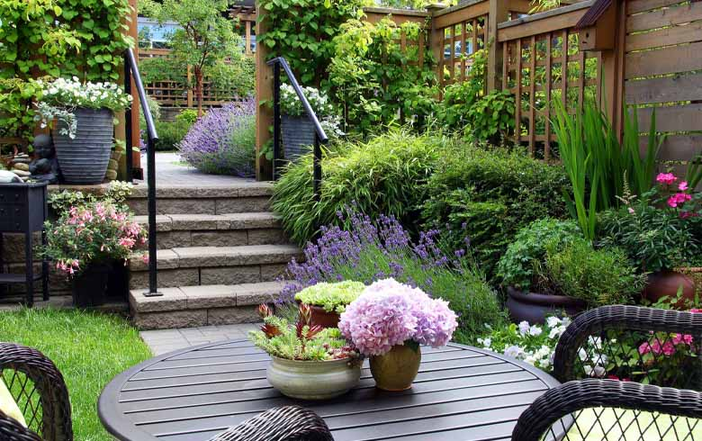 5 Landscaping Ideas for Small Back Yards